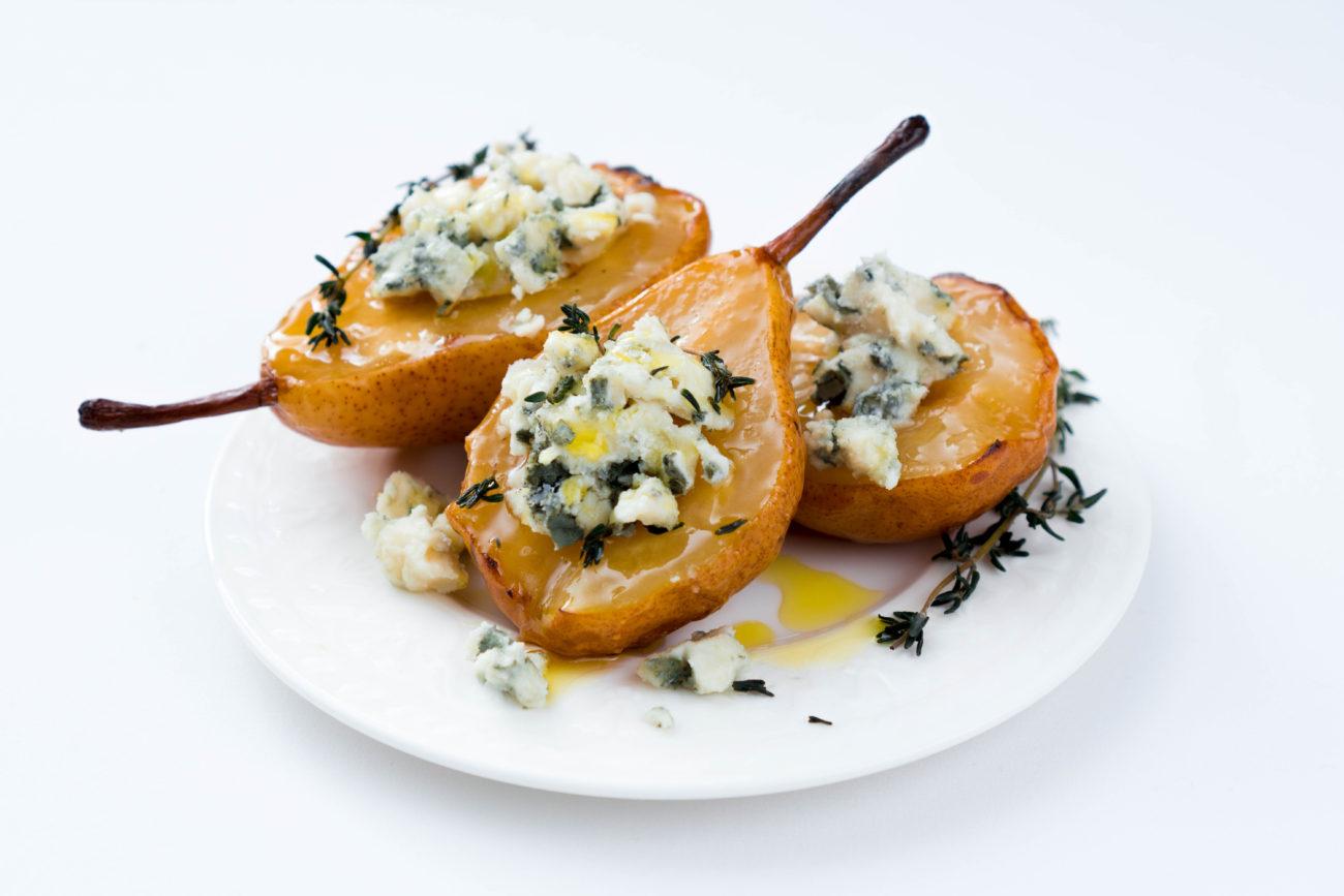 Карамелизированные груши с голубым сыром