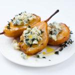 [:ru]Карамелизированные груши с голубым сыром[:]