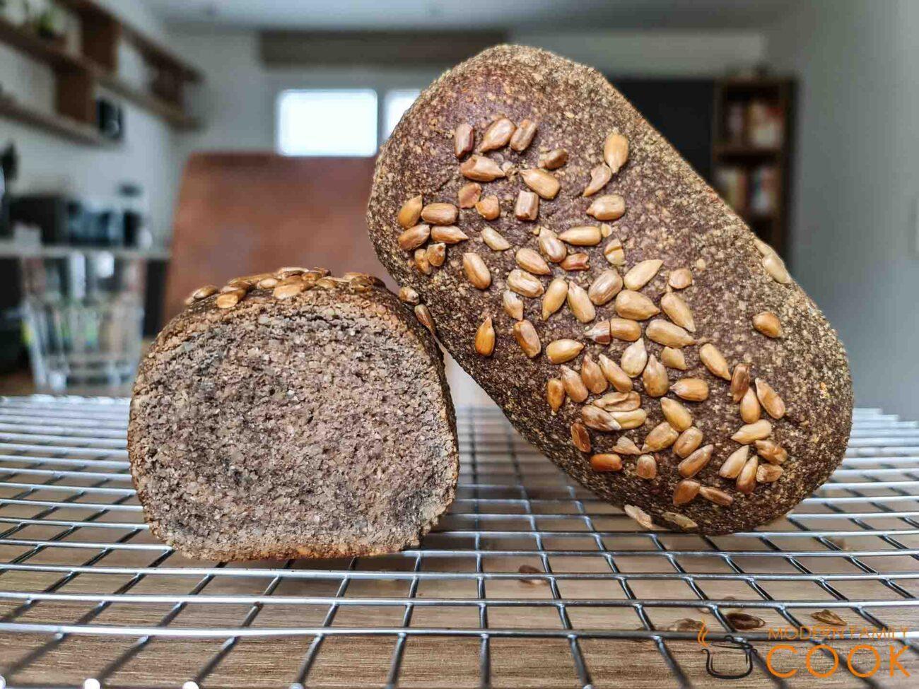 Хлеб из семян подсолнечника (gluten-free, dairy-free, egg-free)